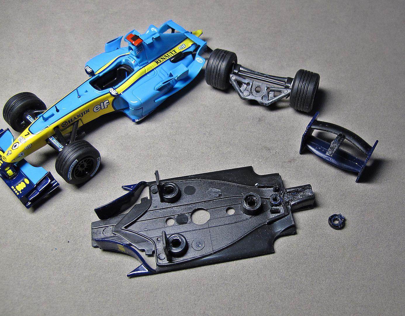 Formula 1 №17 - Renault R24 Ярно Трулли (2004)